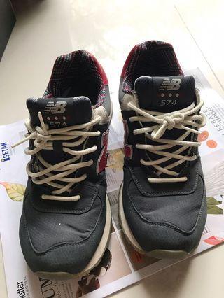 New Balance Shoes male gunpowder +red