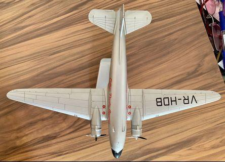 Betsy DC3 Cathay Pacific diecast model