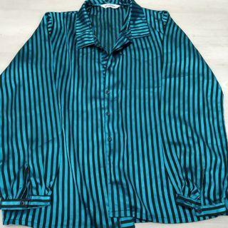 Silky striped blue collar shirt