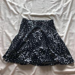Cute Patterned Black and White H&M Skirt