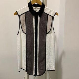 BNWT Cameo Top - size M