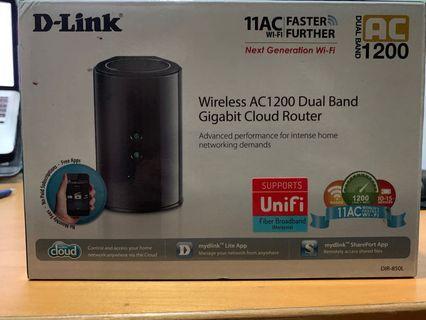 🚚 D-Link DIR-850L Router