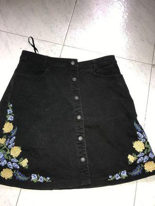 Button down skirt/ rok hitam