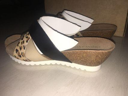 WEDGES BRANDED ORIGINAL GRUNLAND MADE IN ITALY