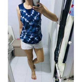 🚚 Blue Tie Dye Top