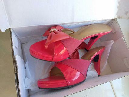 Beauty heels