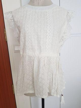 BN Eyelet Lace top