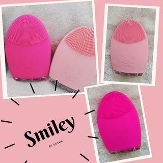 Smiley ( Silicone Cleansing Brush )