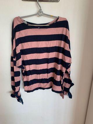 🚚 Striped Pullover