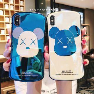 Holograhic Kaws Bearbrick Iphone XR / XS Max / X / 8 casing