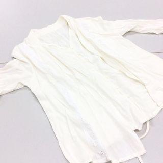 Ladies Faux Two-Piece Top in Creme.