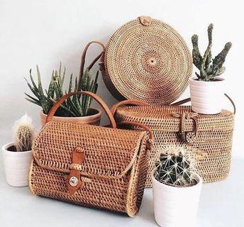 🚚 Rotan Sling Bag