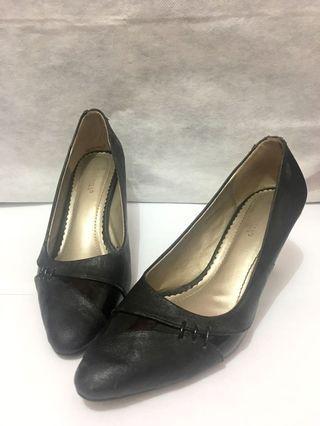 Sepatu hak tinggi wanita wedges kerja