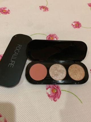 Focalure blush & highlighter palette