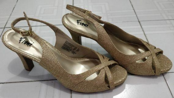 Fioni Gold heels size 40.5