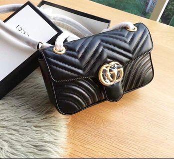 🚚 Gucci Marmont flap bag (authentic factory piece)