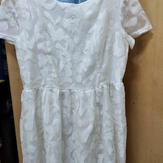蕾絲白色大尺碼洋裝