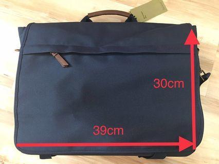 深藍色Messenger bag