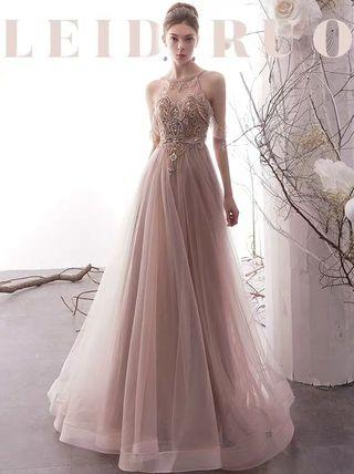 2019 new arrival  simple  and fancy  embroidery evening gown/Wedding Dress
