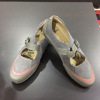Preloved Shoe Scholl for Women