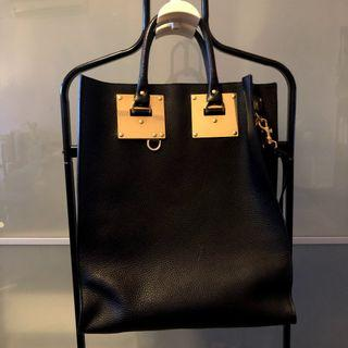 🚚 Sophie Hulme Albion Bag