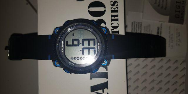 Mens watch digital, barang original full box lengkap dan masih garansi watch studio