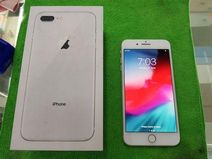 iPhone 8 Plus 64GB Silver Factory Unlocked smooth