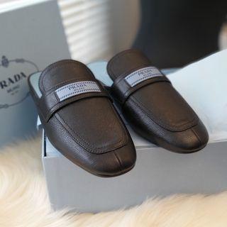 Prada Mules brand new, in black leather size 38