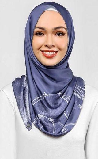 Singapore dUCk scarf in dark blue