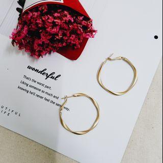 Creative Fashionable Round Shape Earring