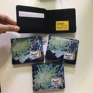 Herschel Wallet花花銀包全卡位花紋圖案隨機發出$220