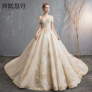 2019 new arrival simple and elegant wedding gown