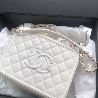 Chanel vanity case 21cm 90%new