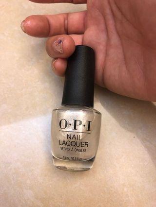 OPI 銀白色指甲油