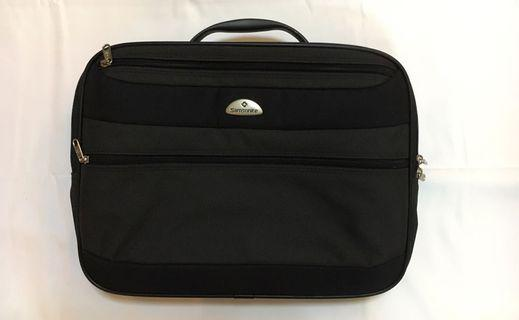 Messenger Laptop Bag by Samsonite