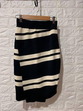 🚚 針織線條條紋合身裙