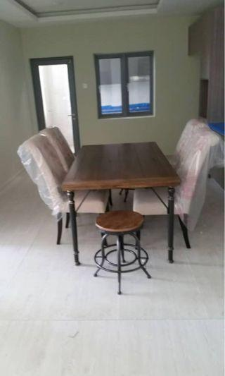 Dining Table Include Chairs Worth RM5,195 For Sale @ RM1,088