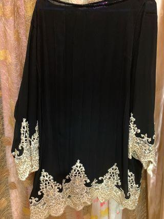 Sheer top with border lace