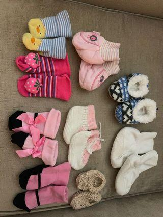🚚 Various baby shoes and socks 0-6 months
