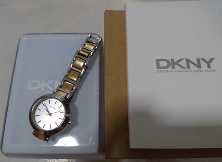 🚚 DKNY Metal Strap (in Gold - Stainless steel color) 28mm Diameter NY2136 (Authentic)