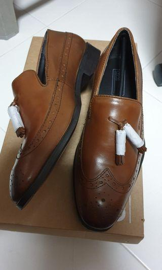 🚚 Tan Leather Brogues with Tassel