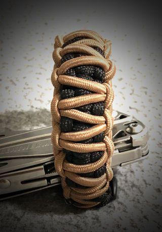 Paracord Bracelet Double Stitch  🔥HANDMADE IN SG🇸🇬  ✅TWO COLOR ,TACTICAL  Khaki & Black 🔥NEW IN STOCK🔥FREE POSTAGE 🔥