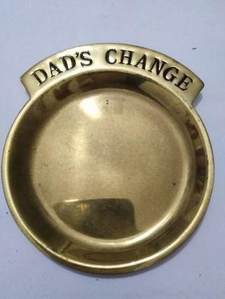 Plate for coins