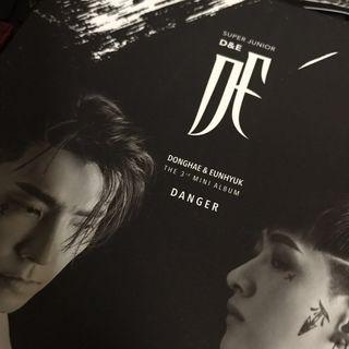 Super Junior-D&E The 3rd Mini Album DANGER Black Ver with Standee only