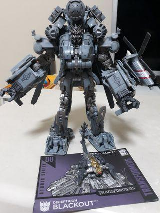 Transformer Studio Series Blackout with Shockwave Lab Upgrade Hands