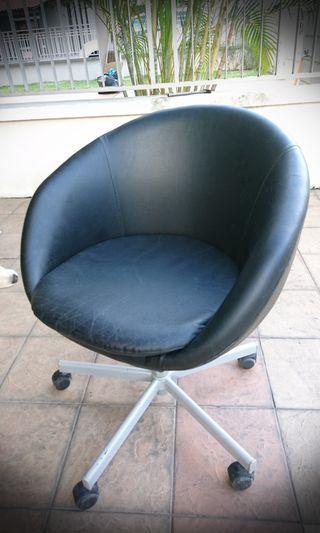 Ikea Skruvsta Swivel Chair (Leather)
