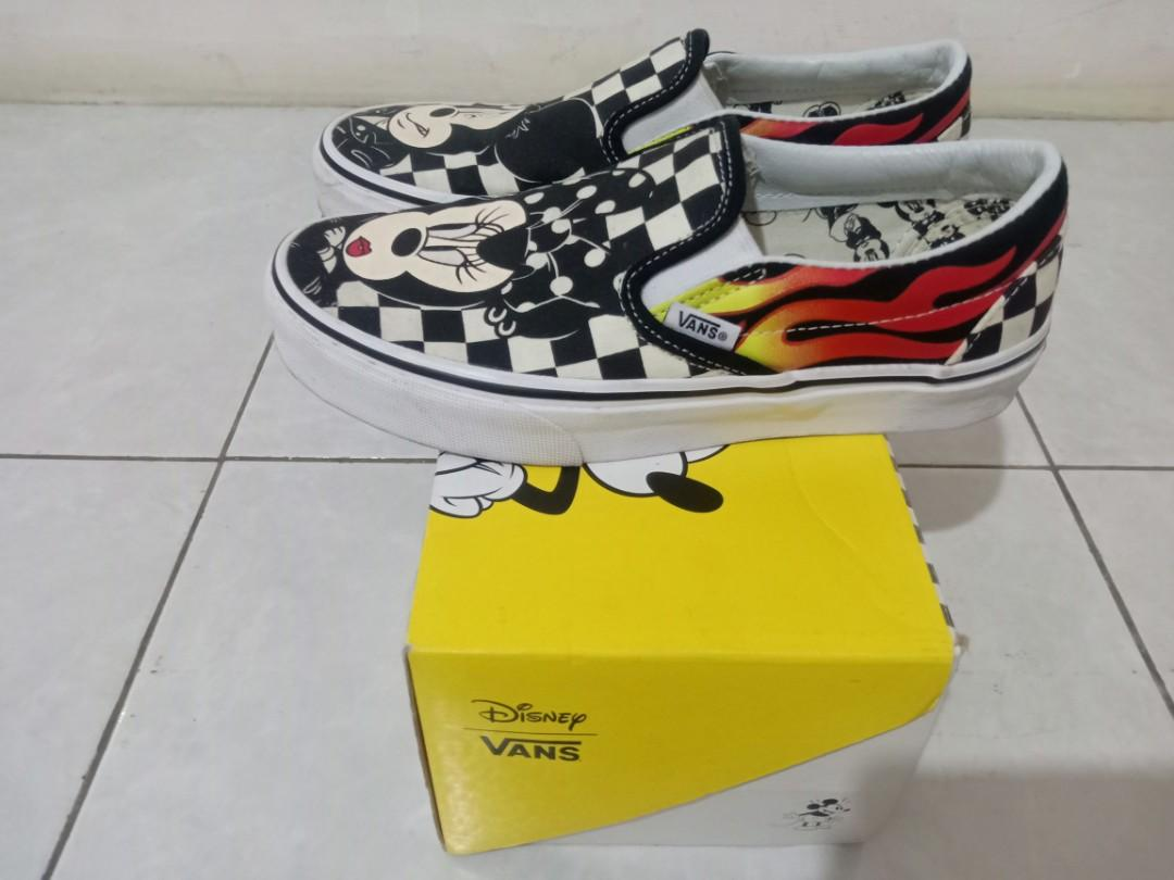 Authentic Vans Slip On Checkerboard X Disney