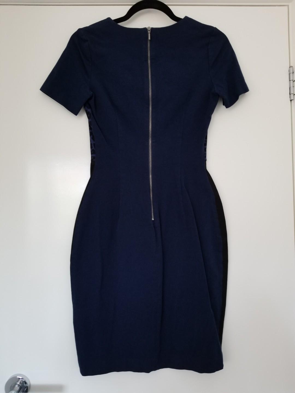 Banana Rebuplic blue leopard print pencil dress size 6