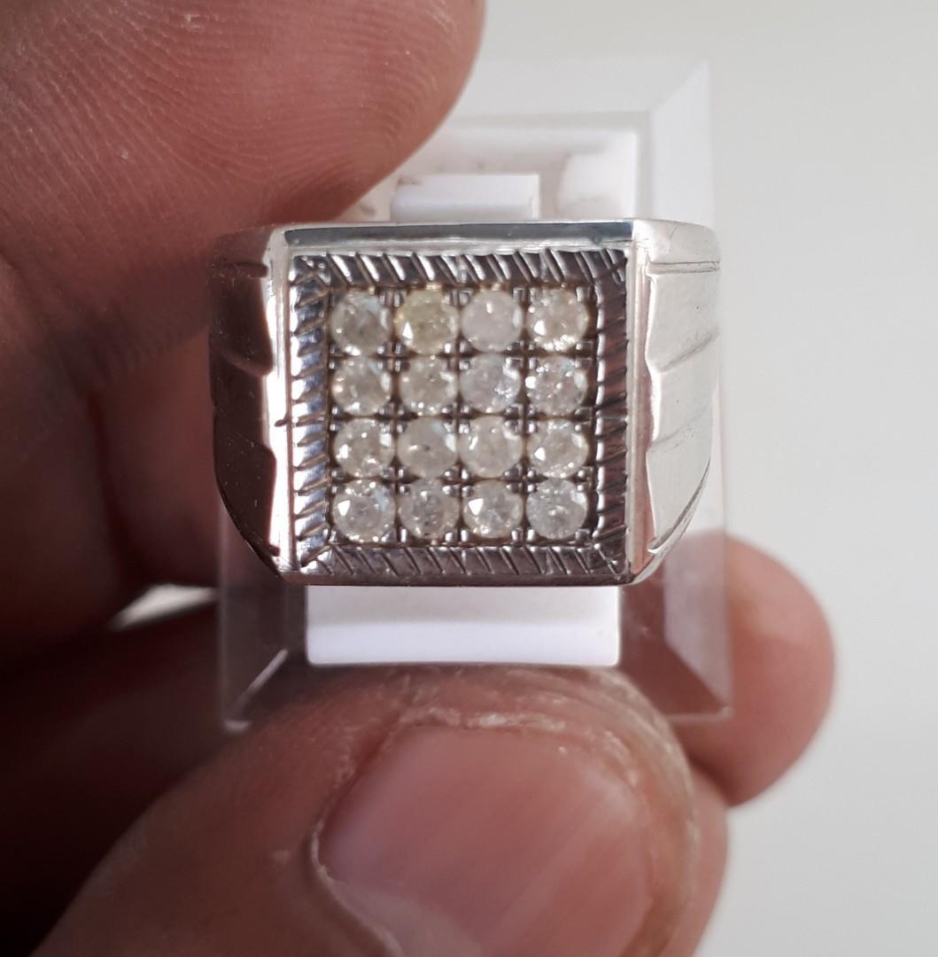 Batu cincin diamond
