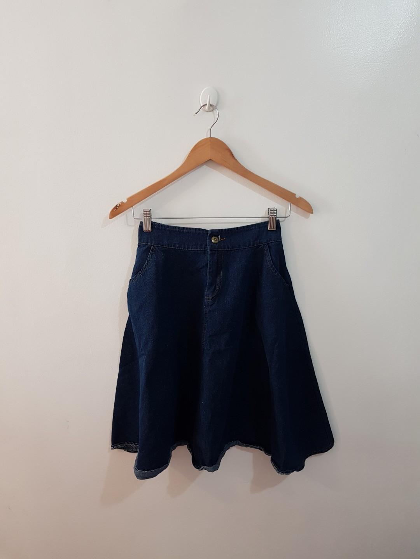dc4dc49b4b Denim Stretchable Below-the-knee Skirt on Carousell